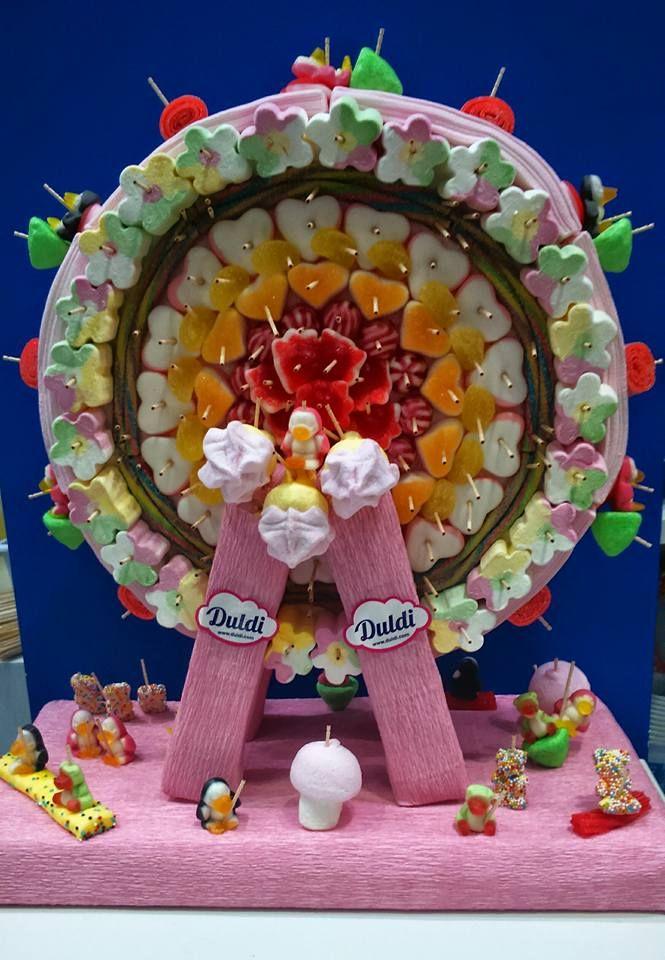 Original y colorida tarta personalizada por Duldi Albacete.