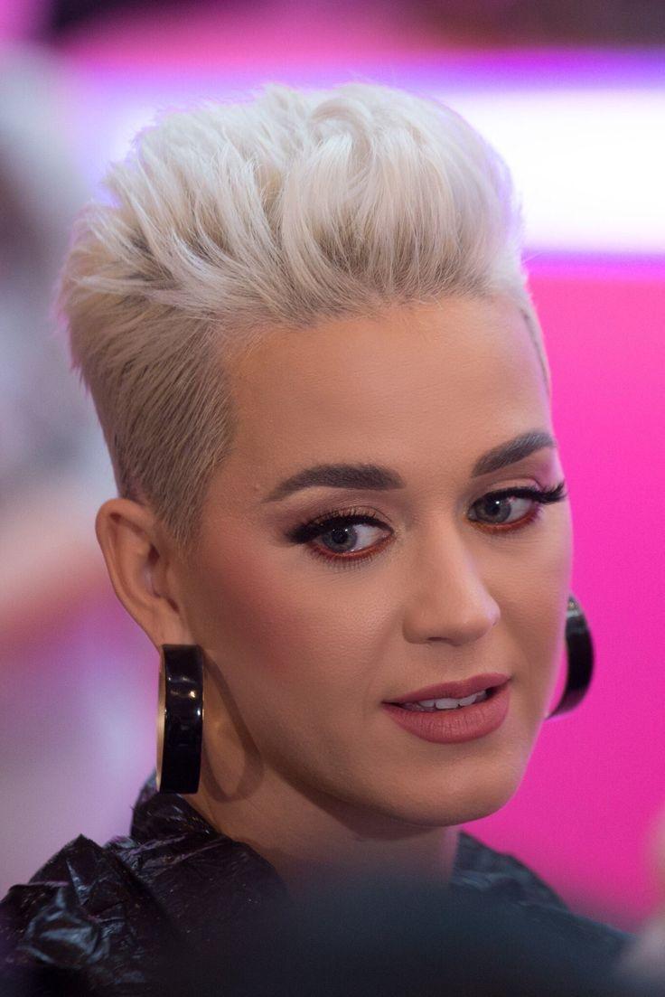 Épinglé par Ariana sur Katy Perry Cheveux courts