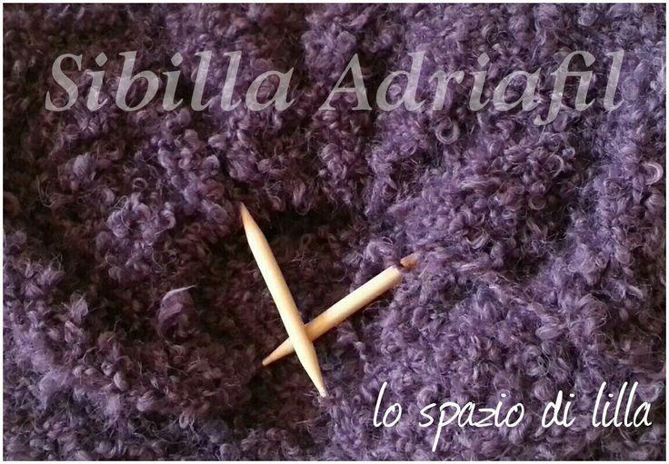 Avvolgiti in una cascata di morbidi e caldi riccioli... Wrap into a soft, warmy and curly cascade... #Adriafil  #Sibilla  #yarns #knitting