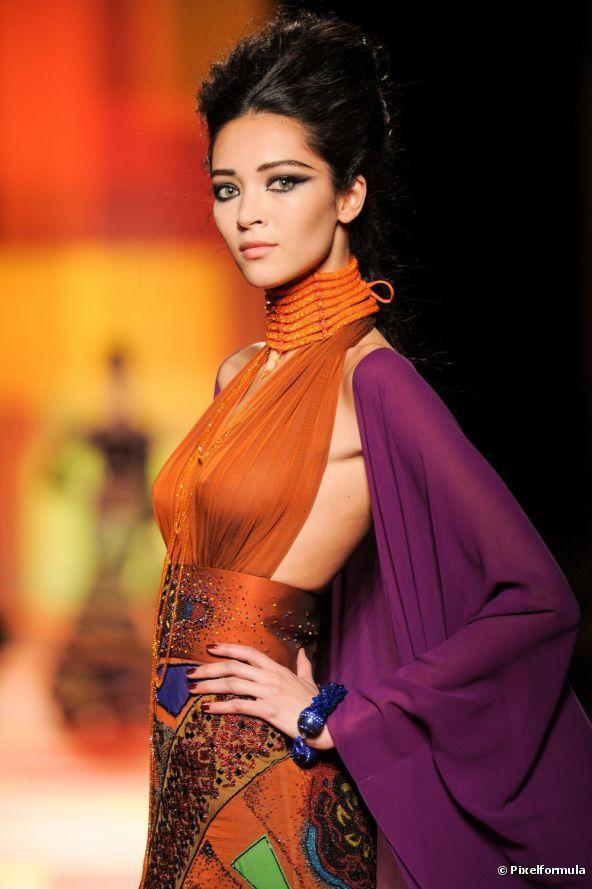 Jean Paul Gaultier, son défilé Haute Couture Printemps-Eté 2013 aux inspirations indiennes à Paris, le 23 janvier 2013.