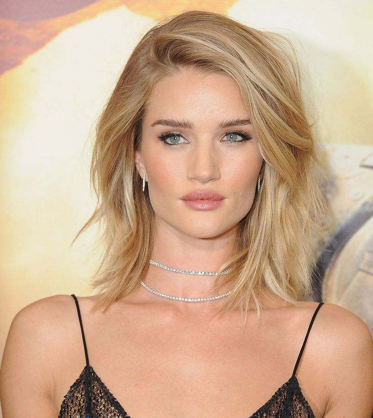 Rosie Huntington-Whiteleyknows how to work a camera (she is a supermodel, after all), so it's no surprise she looked amazing on the red carpet for her new movie, Mad Max: Fury Road, last night. She...