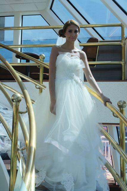 Alma wearing Sarah Jassir