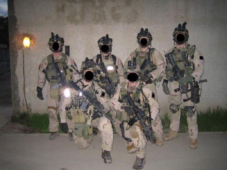 Delta Force A Squadron operators in Iraq 2005. [900 x 675]