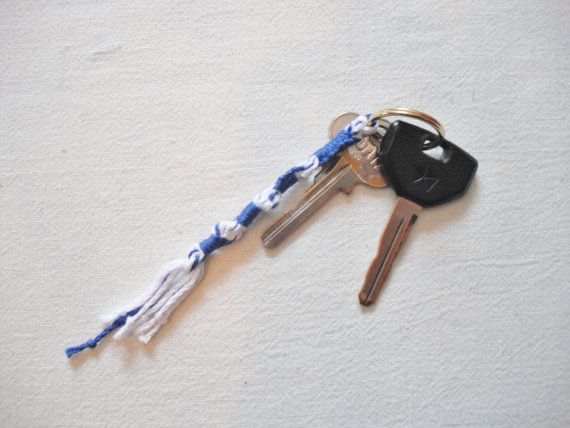 Tzitzit Keychain Blue and White 10-5-6-5 Knot Pattern