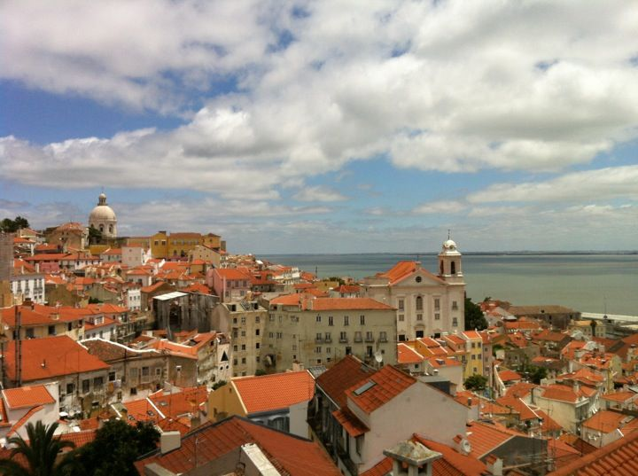 day 1 Miradouro de Santa Luzia in Lisboa