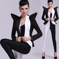 Фото черно белые костюмы