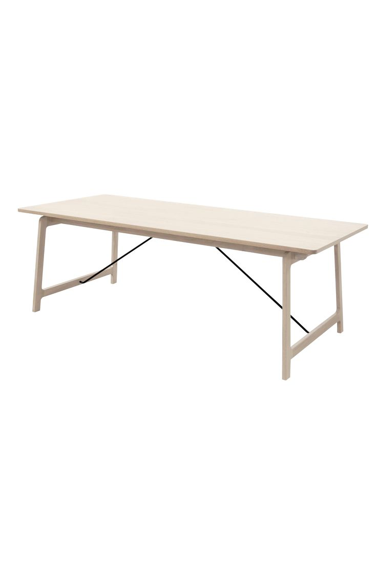 Stilrent spisebord bordplade i vokslakeret eg og lakeret stålunderstel. Maks. vægt 60 kg. Plade: 24 mm egefinér. Bredde: 95 cm, dybde: 220 cm, højde: 75 cm. Afstand mellem de to par ben 181 cm. Usamlet. Vægt 63 kg.  Læs om fragt og transportudgift under fanen  Levering .