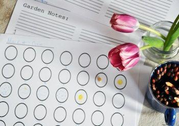 Free Garden planner printable---  thecraftycrow.net