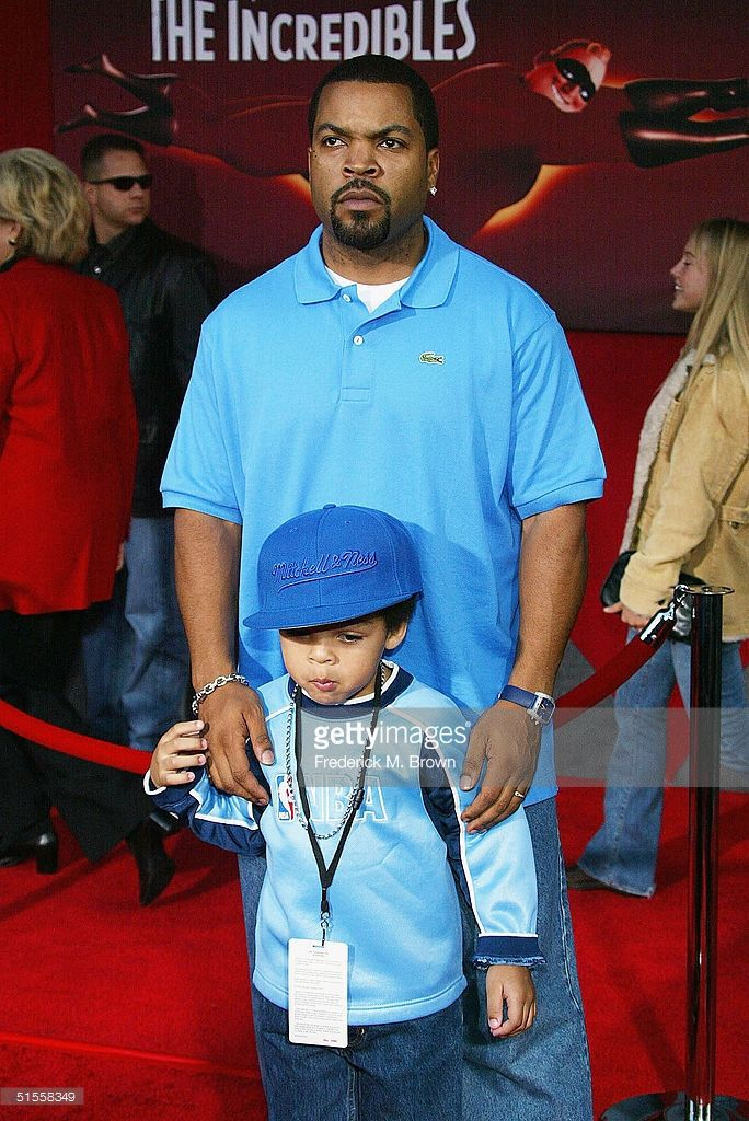 Actor/recording artist Ice Cube and his son attend the film premiere of 'The Incredibles' on October 24, 2004 at the El Capitan Theatre, in Hollywood, California.