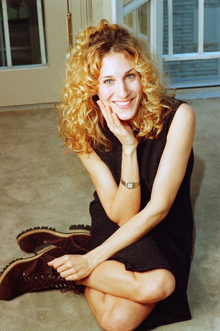 142 best Carrie Bradshaw images on Pinterest   New york city, Carrie  bradshaw outfits and Carrie bradshaw style