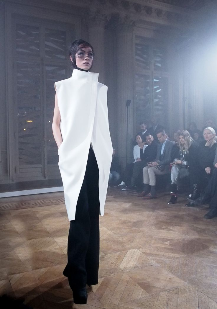 Gareth Pugh Fall/Winter 2013 | models.com MDX