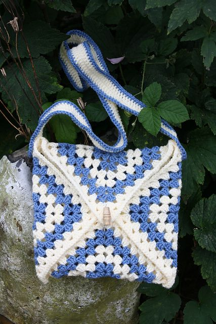 'Get Your Granny On' Crochet Bag - Free Pattern