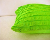 neon bed pillow for girls.....hmmm what if this was glow in the dark? o.o