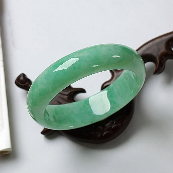 The ancient Chinese culture has revered Jade for centuries. Jade is considered the health, wealth and longevity stone. used also for courage, wisdom, justice, mercy, emotional balance, stamina, love, fidelity, humility, generosity, peace, harmony. Jade is known as androgynous, therefore it is considered having a gentle, steady pulse of healing energy