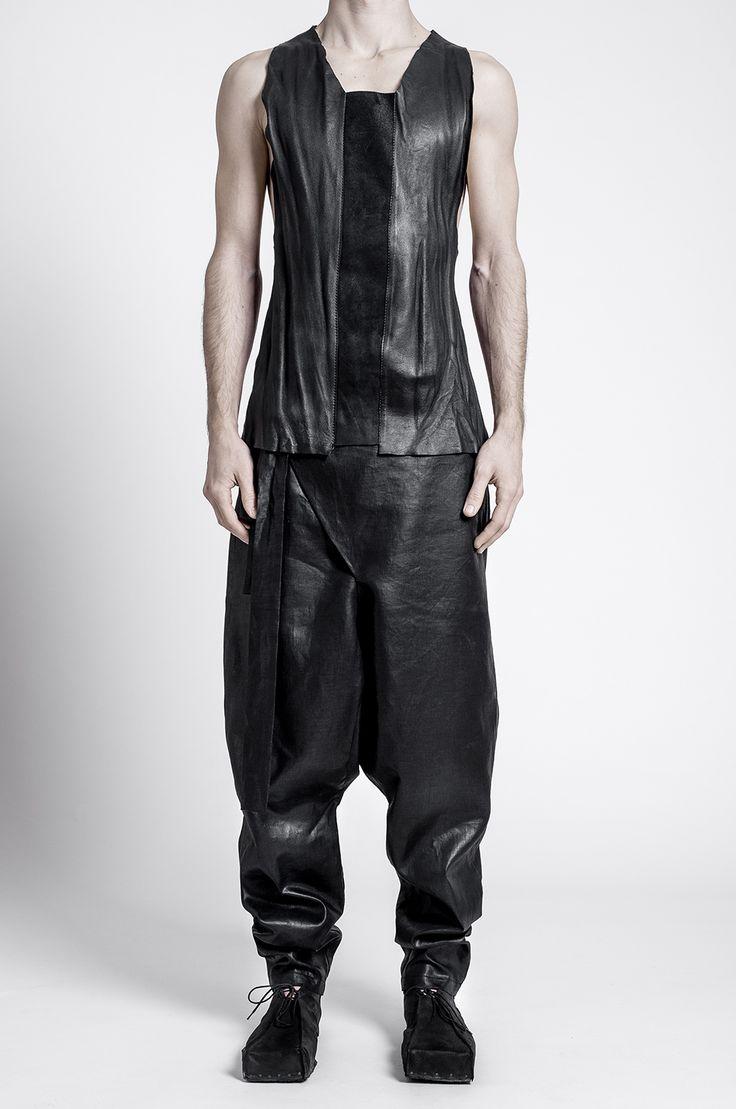 - italian black calfskin leather 100%- black nubuck calf leather 100%- raw edge detail- tonal stitchingModel - height 173cm, wears a size Small /S/
