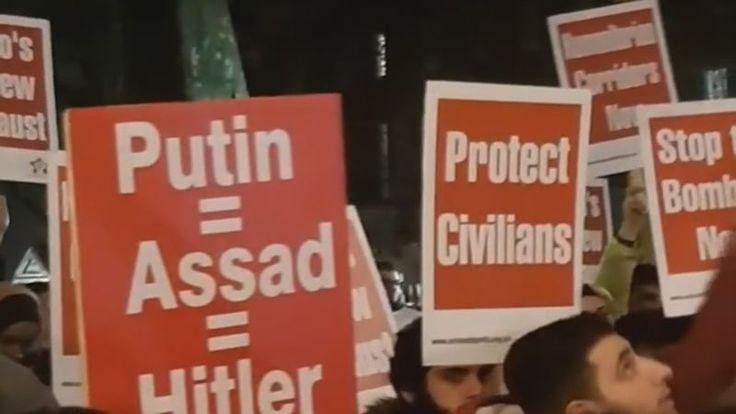 A Londres, ils sont plusieurs centaines à avoir manifesté leur soutien aux habitants d'Alep. [eurovisions]