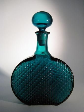 I have some glasses of this Flindari set but not this magnificent decanter. Designed by Nanny Still in 1963.