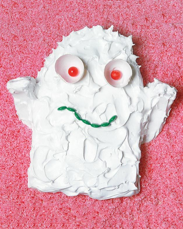 Australian Women's Weekly Children's Birthday Cake Book - meringue ghost cake!