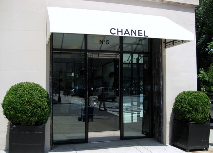 simple chic storefront idea chanel boutique pinterest