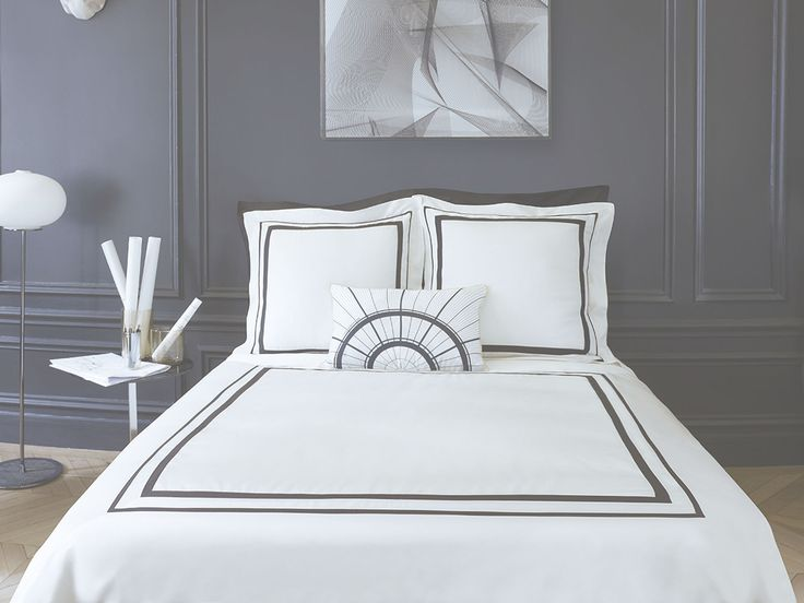 parure de lit faubourg satin de coton alb tre descamps. Black Bedroom Furniture Sets. Home Design Ideas