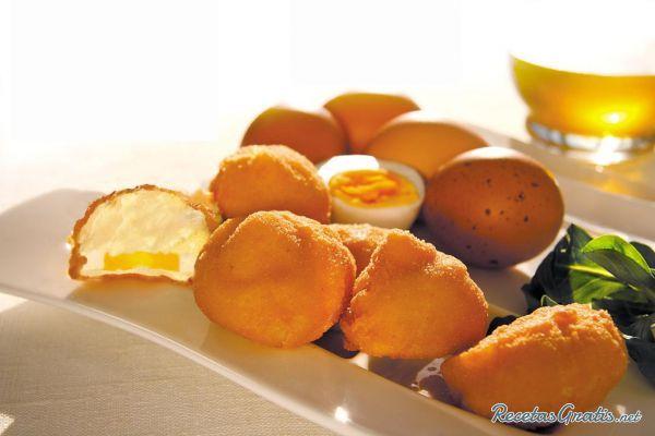 Huevos fritos rebozados