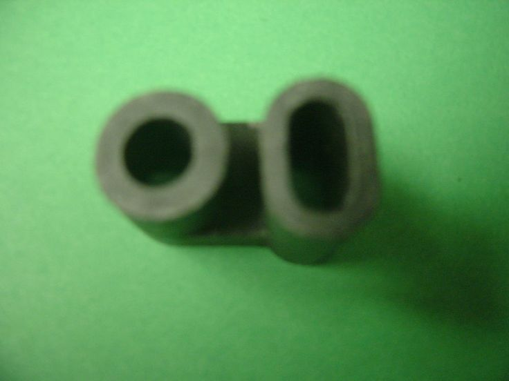 Poulan Chainsaw 3100 3300  Carburetor Grommet  530039129 See picture #Poulan
