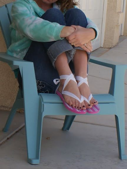 Flip-Flops Restyle! Pretty ribbon sandals - tutorial for 3 styles.