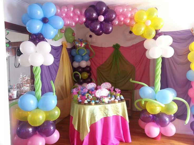 Arco en globos en forma de flores | Decoracion en globos | Pinterest