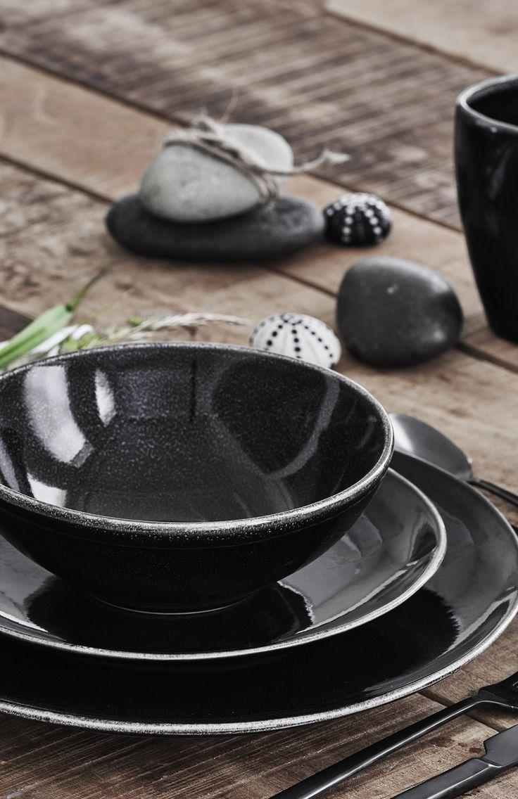 Smuk opdækning med Nordic Coal fra Broste Copenhagen #inspirationdk #borddækning #inspiration #InspirationOnline #NordicCoal #Broste