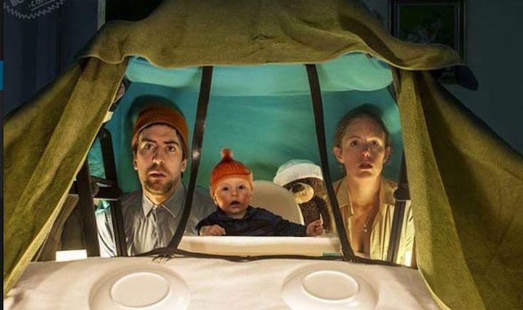 Ce bébé ne sait pas que ces parents sont les plus cool au monde... Ces images sont là pour le prouver!