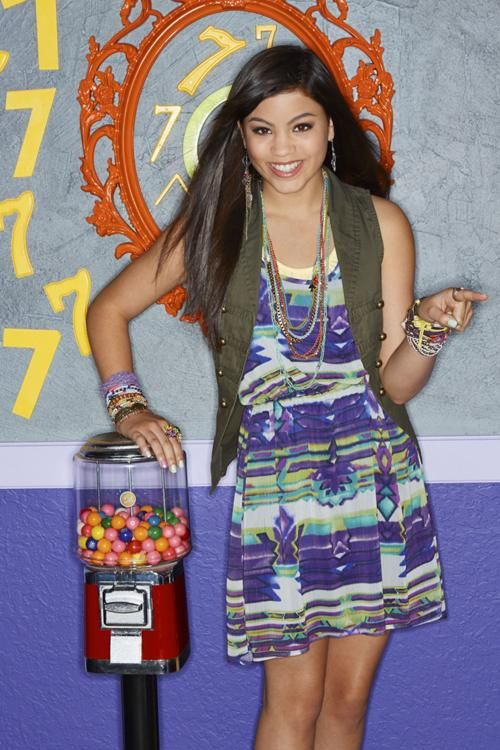 Every Witch Way Nickelodeon Cast   500px-Emma_2_al.jpg
