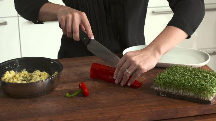 Peberfrugt med røræg - nem morgenmad uden brød