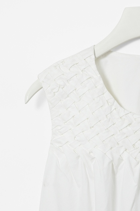 Weave detail dress: Kids Outfits, Kids Clothes, Http Berryvogue Com Kidscloth, For Kids, Colors Blanco, Kids Fashion, Kids Clothing, Baby Fashion, Http Berryvogu Com Kidscloth