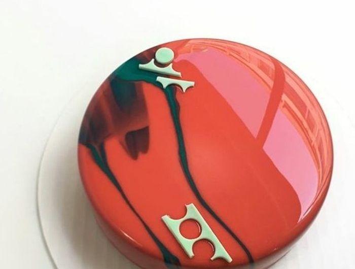 Les 25 meilleures id es de la cat gorie gateau original for Glacage miroir rouge