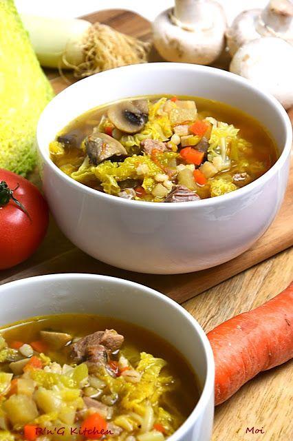 R'n'G Kitchen: Zupa z kapusty włoskiej i wieprzowiny