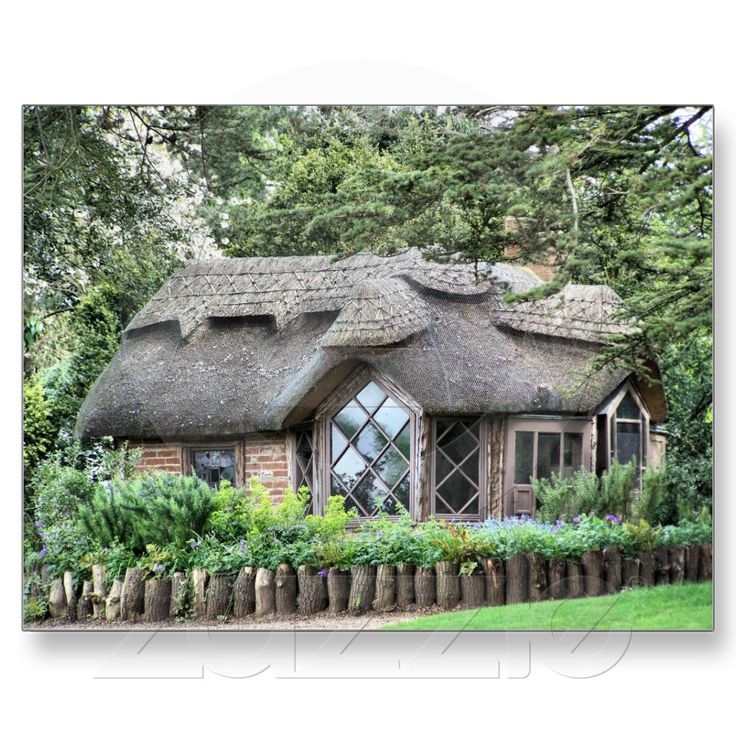 Thatched English cottage, I would love a vacation and to stay in this type of house for a weekend :D