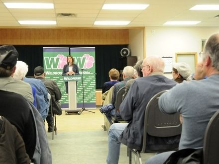 Concerned citizens attended a packed town hall in Athabasca with Wildrose leader Danielle Smith last Tuesday, and main discussion topics included dialysis and seniors care. #ableg #wrp #Alberta