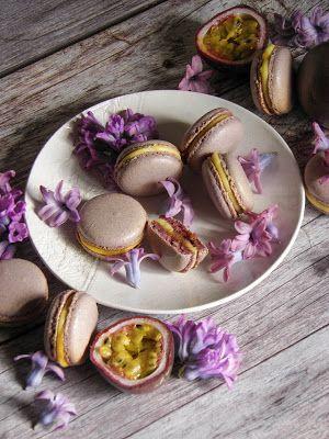 Csokoládé Reformer: Hibiszkuszos macaron maracuja curddal