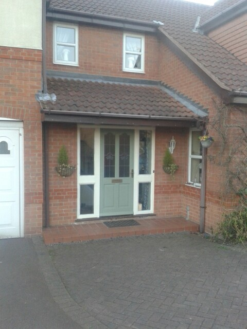 Finally got round to painting the front door.   Dulux green glade weather shield paint!