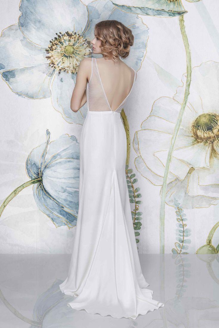 CAYLA I Sadoni Bridal 2018 - Pure silk dress with open back and triangle train - www.sadoni.no