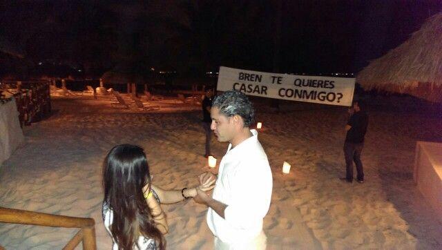 Romantica Alegre y Memorable  Entrega #AnillodeCompromiso  super romantica  #Cancun #PlayadelCarmen #Tulum #RivieraMaya. #LoveMemories #CreandoMomentosMemorables