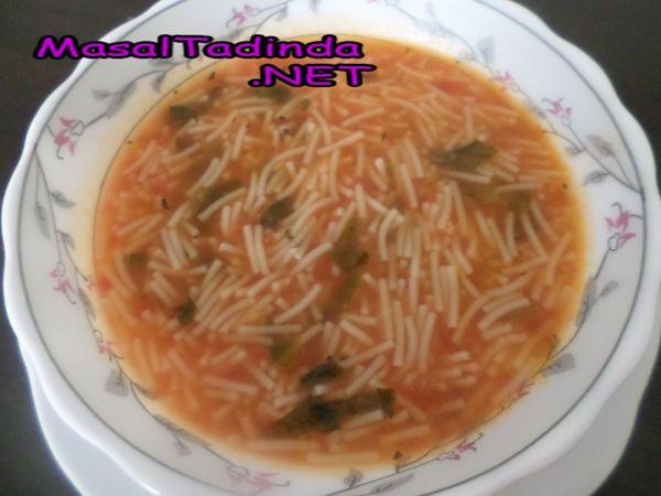Ispanaklı şehriye çorbası