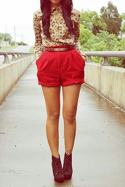 Cheetah + Red :): Outfits,  Minis, Fashion, Leopardprint, Animal Prints, Leopards Prints, Red Shorts, Cheetahs Prints, High Waist Shorts