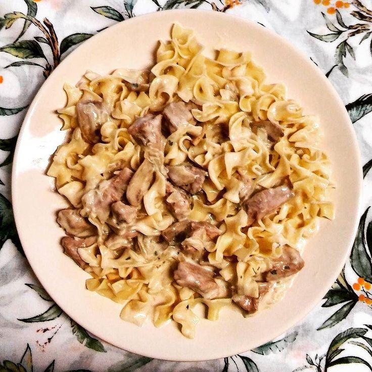 #homemade #lunch #strogonoff #beef over #noodles #beefstrogonoff trying new #recipe #cooking #food #foodpic #foodie #foodlover #foodgasm #foodporn #yummy #delicious #cocinando probando nuevas recetas #ternera #stroganoff con #pasta #comida #casera #delicioso