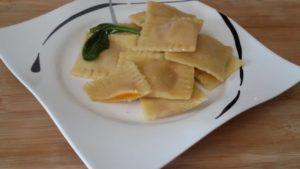 Do you like Italian food? I am a huge fan of italian food, so simple and healthy. I usually like to mix italian, swedish and romanian food. Feel free to ask about italian food, svenska och rumänska mat.