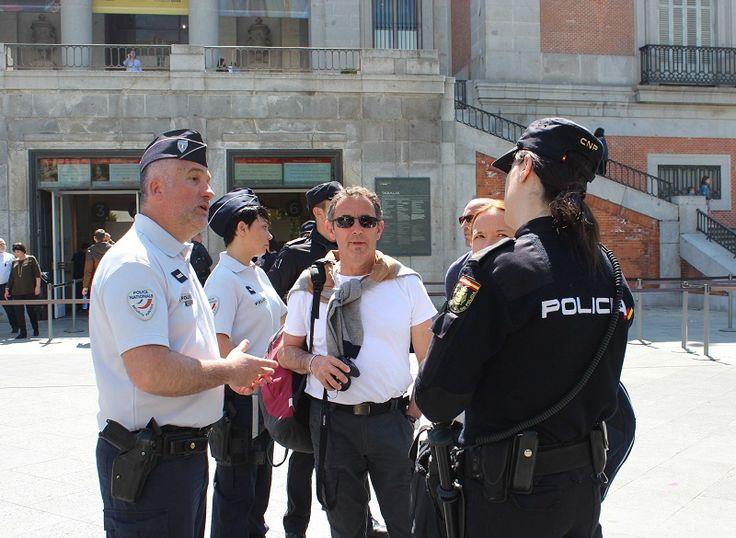 Periodico Digital de Málaga y Provincia   – Agentes franceses y portugueses patrullan junto a la Policía Nacional para reforzar la atención al turista en Semana Santa en Málaga y Madrid