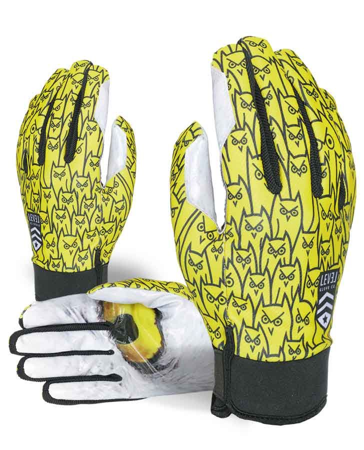 PRO RIDER. A favorite of Level's pro team, a super stylish pipe glove built to perform.