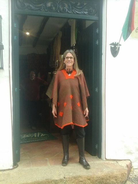 Hand-loomed Poncho / 100% Pure Wool / Light Brown & by CasaLunaCo