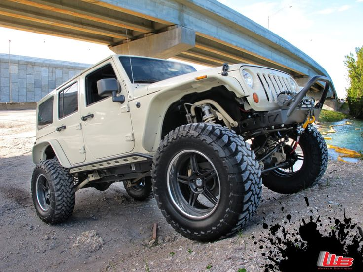 Jeep JK w/ painted flat fenders