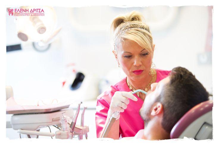 Σε σπάσιμο ή ράγισμα των μπροστινών #δοντιών μπορεί να οδηγήσει και μια ατυχή στιγμή σε σπορ κάνοντας το #χαμόγελό μας λιγότερο ελκυστικό. Η #αισθητική #οδοντιατρική και εδώ προσφέρει λύση ενισχύοντας την αυτοεκτίμηση του ατόμου.   photo © Vicky Lafazani